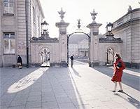 Warszawa sprzed dekad na wystawie Trakt. Fotografie Zbyszka Siemaszki z Narodowego Archiwum Cyfrowego